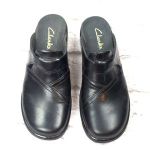 Clarks Women's Black Leather Mules Clogs Size 7M C
